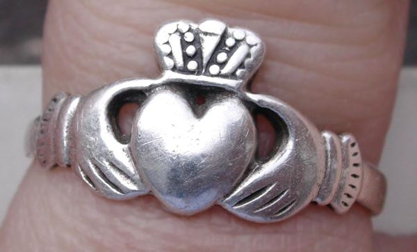 A silver Claddagh ring. Via http://commons.wikimedia.org/wiki/File:Silver_Ring_of_Claddagh.jpg.