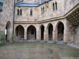 Harry Potter Alnwick castle courtyard